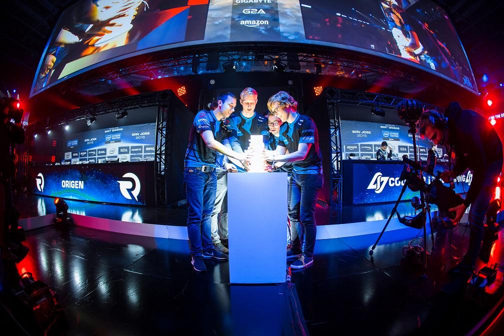 Intel Extreme Masters E-Spor Chicago finali ilk defa ve canlı yayınla sadece DMAX'te!