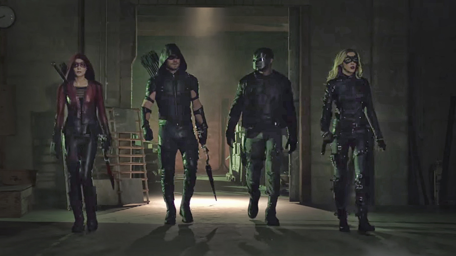 "Arrow'dan 4x18 fragmanı ""Eleven-Fifty-Nine"" geldi!"